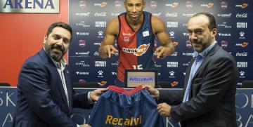 Recalvi patrocinará al Kirolbet Baskonia de baloncesto hasta 2021