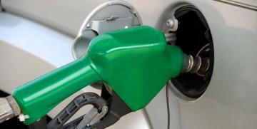 ¿Cómo puedo reducir el consumo de mi coche?