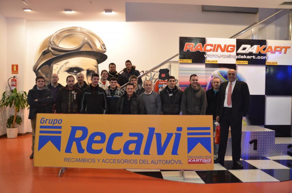 Tras la charla en el Karting Marineda de A Coruña, los asistentes disputaron una carrera en el circuito indoor