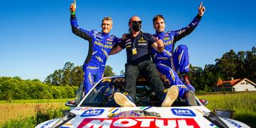 Cohete Suárez, líder del Supercampeonato de España, tras su espectacular victoria en el Rallye Terra da Auga