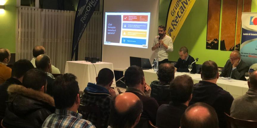 Recalvi Norte y Movelco presentan a los talleres asturianos su solución de box eléctrico